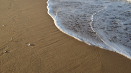 img kensey-beach-sand-outgoing-wave-3.png